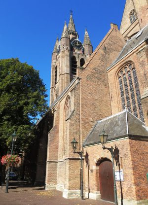 Oude Kerk te Delft, niet ver van Hotel de Emauspoort