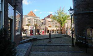 Hotel gezien vanuit de Kerkstraat